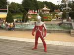 ウルトラセブン@M78星雲 光の国の戦士 : 最後にショーを終えたウルトラセブンがファンサービス。