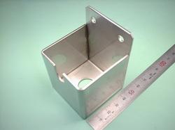 板金加工 : ステンレス SUS304 t2.0 溶接構造 : スイッチボックス(精密機械用部品)