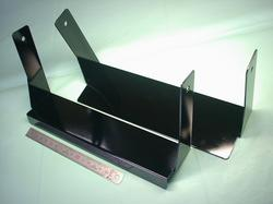 OA機器受台部品 : 鉄(SPCC) t1.6 黒色(ブラック)艶有(ツヤ有)焼付け塗装 : 板金加工部品