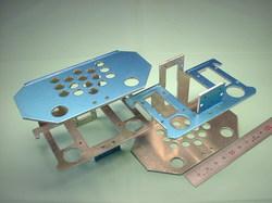 二足歩行ロボットパーツ(ロボットキット・部品) : 精密板金加工 A5052P アルミニウム合金 t2.0 : 試作部品