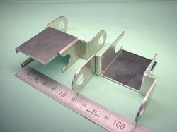 二足歩行ロボットパーツ(ロボットキット・部品) : 精密板金加工 A5052P アルミニウム合金 t1.5